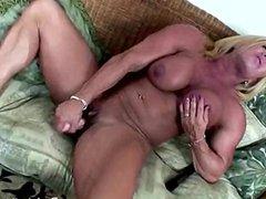 Wanda Moore 04 - Female Bodybuilder