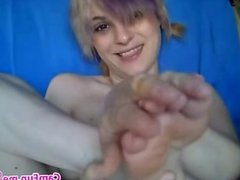 Amateur Emo Teen Sucks Toes