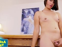Asian pornstar tranny Natalie Chen wanks