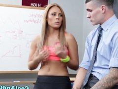 Young sportsbabe fucked in classroom