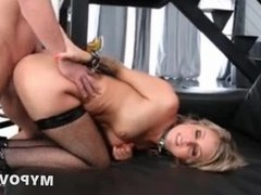 High heels and stocking hot blondie is fuckin