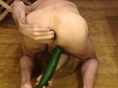Shy4now put 2 cucumber in his ASS and plays