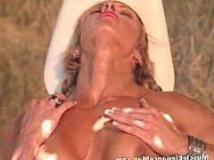 Debi Laszewski 03 - Female Bodybuilder