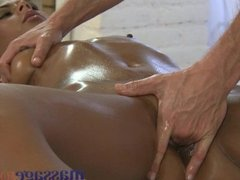 Massage Rooms - G-spots explode in orgasm