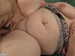 Plumper Eliza Allure gets her pussy pounded