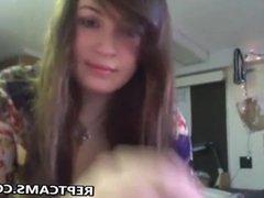 teen brunette show her pussy on webcam