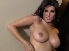 Sunny Leone Striptease