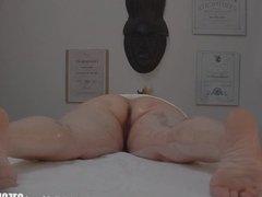Sexy Massage Turns into Hardcore MILF Fuck