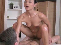 Hot slut   pussy eating