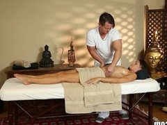 TrickySpa Masseur Gets His Dick Wet