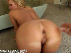 Cute blonde in poolside fucking