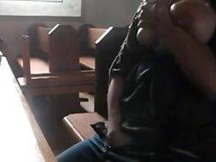 Se masturba en la iglesia 2 BYCHANOKCL