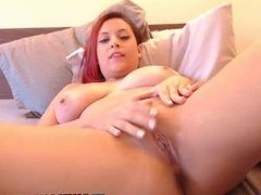 Sexy girl plays pussy free webcam