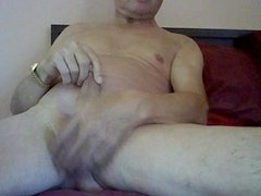 Nice guy wanking for me