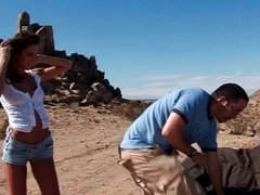 Hitchhiker cutie ass nailed in the desert