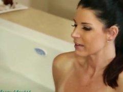 India Summer & Jessa Rhodes hot shower