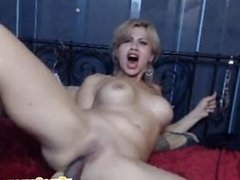 Camgirl does anal with her favorite dildo