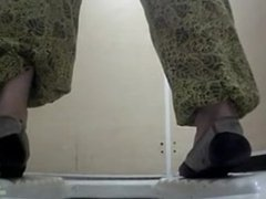 Peeping in the toilet 1447