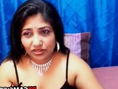 hot webcam girl