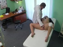 Doctor bangs sexy blonde patient