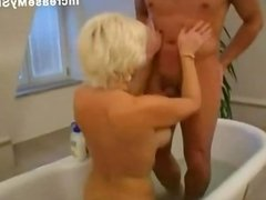 Sexy mature fucked in the bath tub