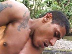 Dando o cu pro Garoto Brasileiro no Floresta