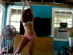 Tanned Cam Babe Dancing