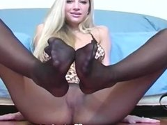 Blonde teens feet and ass in panyhose