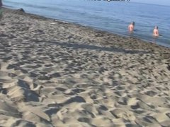 2 guys pick-up girls on the beach and fuck