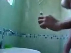 Novinha linda se filmando no banheiro