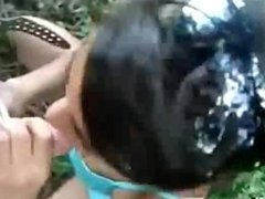 Desi indian Girl in Park Sucking her Lovers