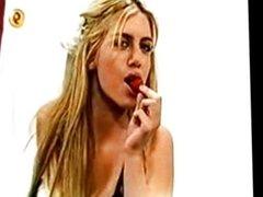Wanda Nara con la crema en la boca