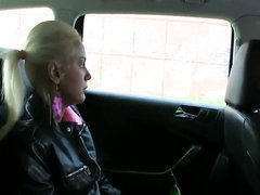 Hot blonde amateur banged in taxi