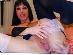 Hot MILF Playing With Her Pussy