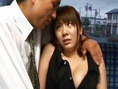 Yuma Asami enjoys sec in bus