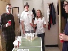 students Pong strip