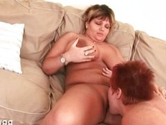 Horny lesbo BBW gives oral satisfaction to GF