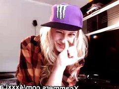 hip hop blonde on webcam live