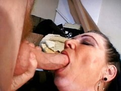Mature lady sucking cock