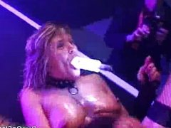 Well excited by girl masturbating on stage