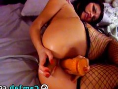 Latina Girl in Fishnet Sex Cams