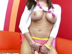 Rachel Roxxx Pig Tails Round Asses