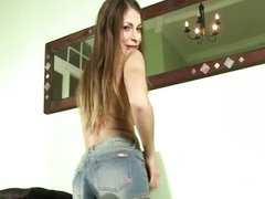 Avril Sun wets her own panties