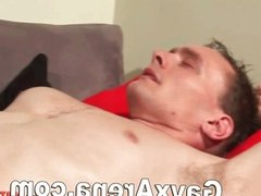 Gay Muscle Guy Solo Wanking