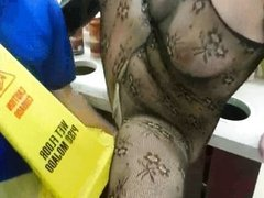 Sandy flashing and sucked by a clerk
