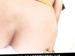 Gorgeous MILF Nana Nanami toying her holes