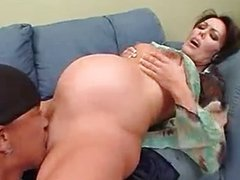 Licking pregnant pussy!!!