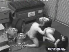 Cojiendo en el garage