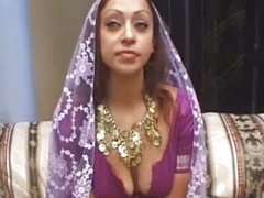 Horny real Arab slut gets her pussy