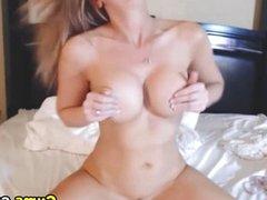 Very Wet Blond Babe Orgasm HD